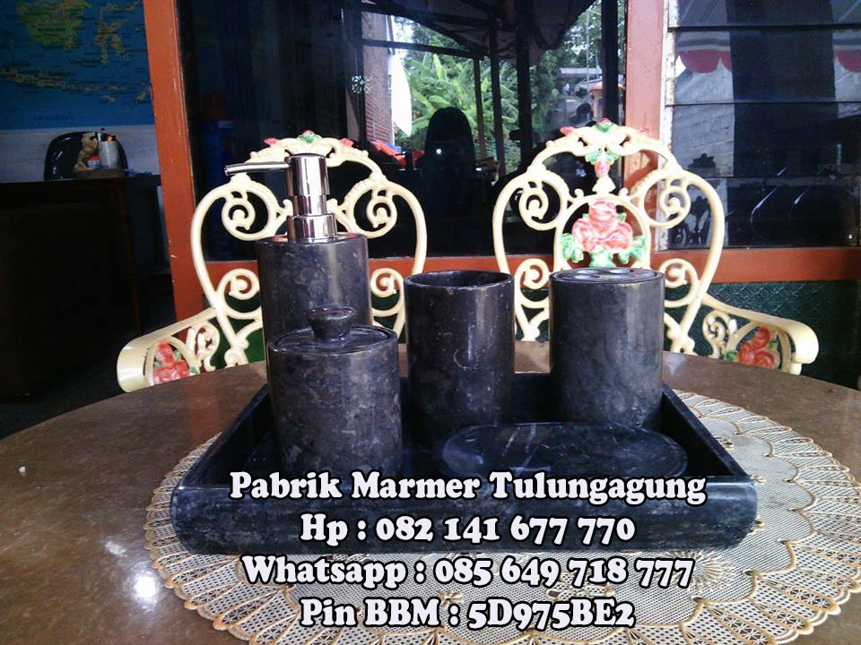 Bathroom Set Marmer Hitam