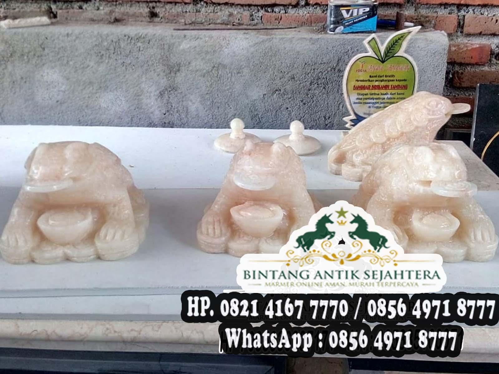 Patung Katak Marmer dan Onix