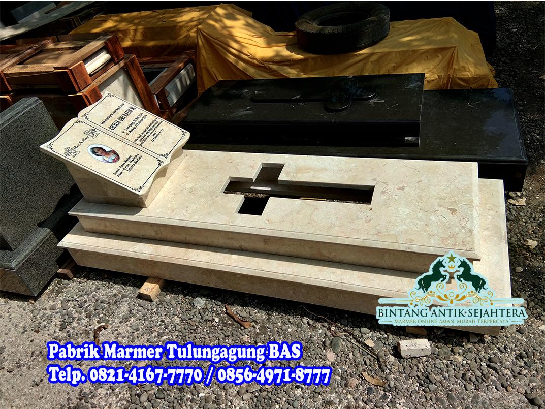 Contoh Kuburan Kristen Marmer
