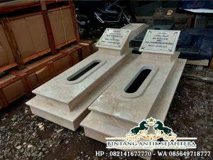 Makam Marmer Sederhana