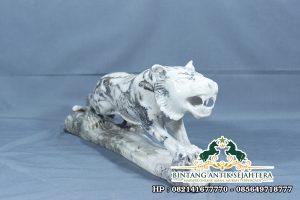 Patung Harimau Putih